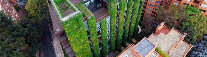 Ignacio Solano diseña y coordina el jardín vertical más grande del mundo en Bogotá