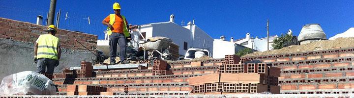 La Diputación de Málaga concede subvenciones para obras de infraestructuras y equipamientos en 18 municipios