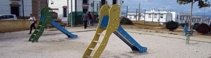 El Ayuntamiento de Carmona invertirá 100.000 euros para la instalación y mejora de once parques infantiles