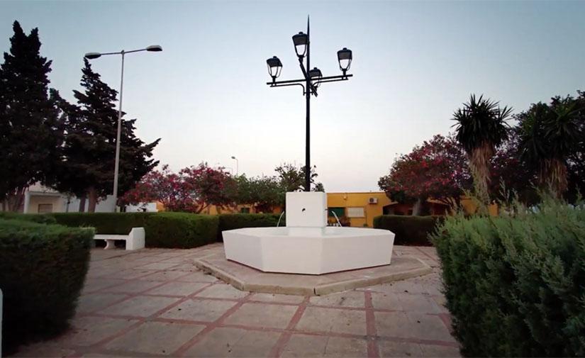 Roquetas de Mar recupera el aspecto que tenía en los años 60 la plaza central de El Solanillo