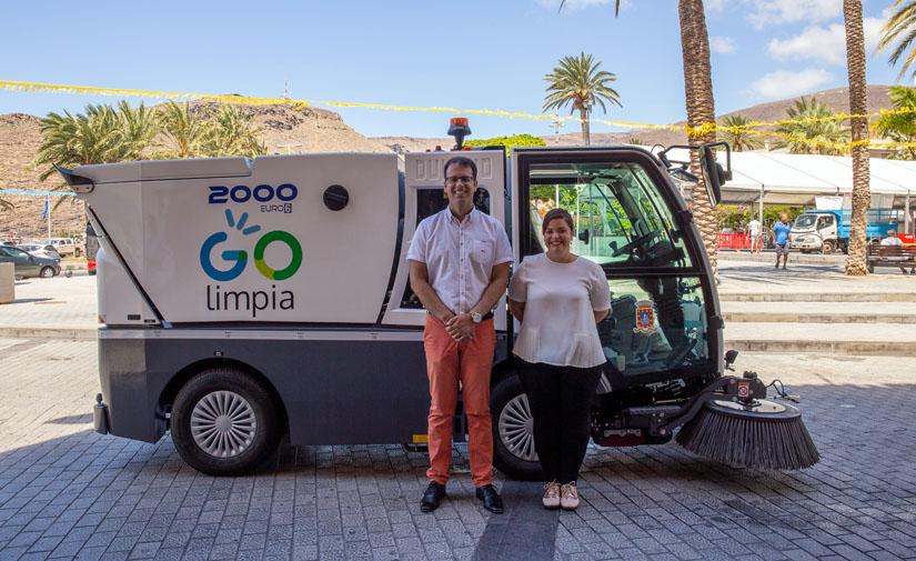 San Sebastián de La Gomera refuerza la limpieza viaria con la puesta en marcha de una nueva barredora