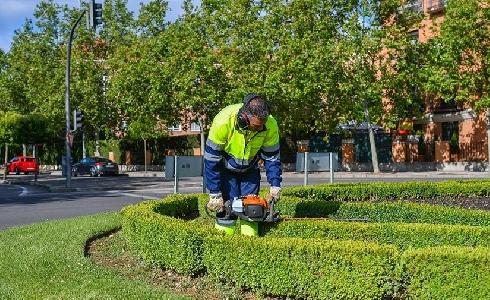 ACCIONA llevará a cabo el servicio de limpieza y mantenimiento de jardines de la Rinconada en Sevilla