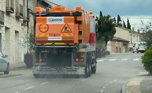 ACCIONA Mantenimiento de Infraestructuras adecúa vehículos de conservación de carreteras para desinfectar vías públicas