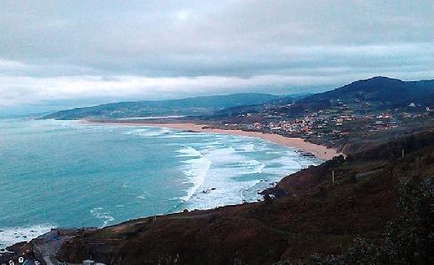 ACCIONA se adjudica el contrato de limpieza de playas de Carballo, en A Coruña