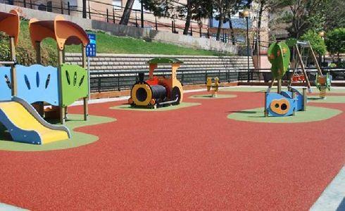 Alcalá de Guadaíra amplía su red de parques infantiles con más de 5.000 metros cuadrados a lo largo de los cuatro distritos