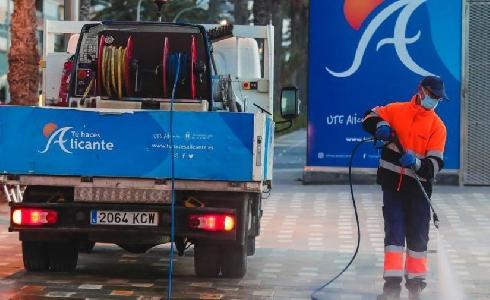 Alicante prorroga dos años el contrato del servicio de limpieza viaria y gestión de residuos