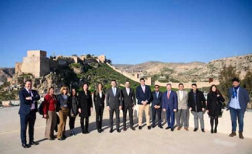 Almería recibe a una delegación mexicana interesada en aprender sobre las iniciativas de desarrollo sostenible de la ciudad