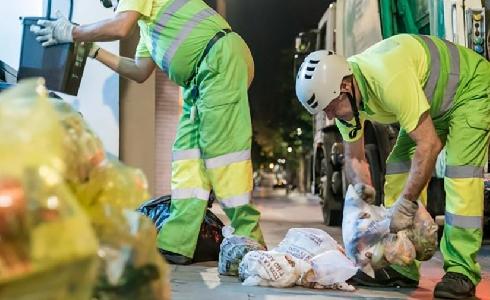 Barcelona aprueba la nueva tasa de residuos para incrementar la recogida selectiva de residuos