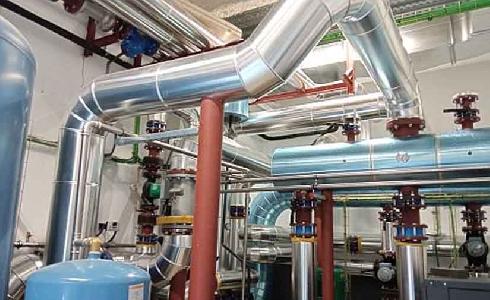 Comienza el servicio de agua caliente y calefacción de la red de calor en el barrio de Coronación en Vitoria