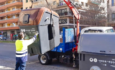 Comienza la instalación de los 52 contenedores de recogida de materia orgánica en varios barrios de Palma