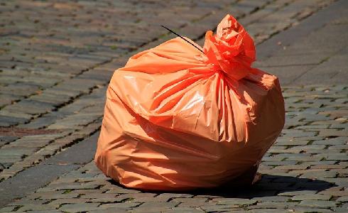 Crece el volumen de residuos urbanos recogidos por las empresas gestoras