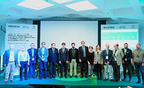 Ecovidrio promueve prácticas innovadoras en recogida selectiva junto a representantes municipales y profesionales