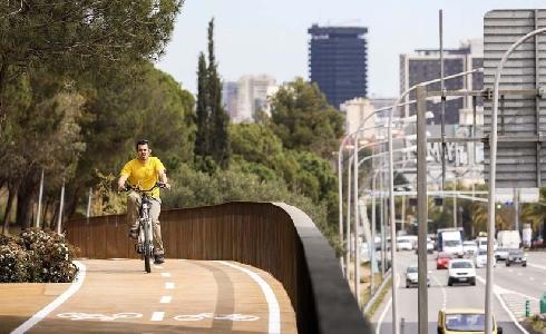 El AMB lanzará una nueva subvención de 2 millones de euros para completar la Bicivia de Barcelona