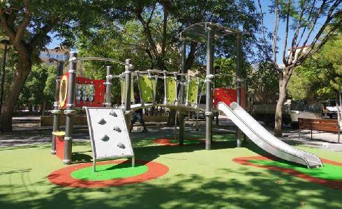 El Ayuntamiento de Alicante completa el programa de renovación de parques infantiles