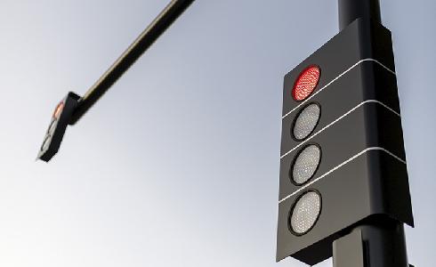 El Ayuntamiento de Badajoz instala los nuevos semáforos BlackStyle de Edigal