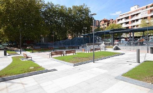 El Ayuntamiento de Bilbao abre al público parte de la plaza San Pedro en Deusto