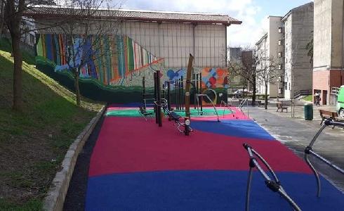 El Ayuntamiento de Bilbao finaliza la construcción de un área multideporte en Lozoño