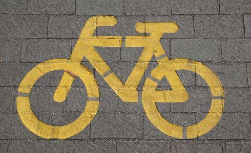 El Ayuntamiento de Estepona alcanzará más de 8 kilómetros de carril bici con el nuevo tramo de la ronda norte