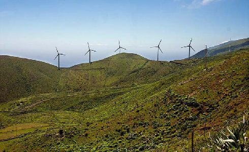 El Cabildo de El Hierro concede ayudas para vehículos eléctricos, puntos de recargas e instalalaciones con renovables