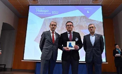 El Consorcio de Residuos de Málaga, premiado por optimizar el sistema de recogida para el reciclaje de papel