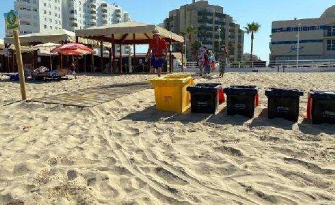 El Puerto de Santa María refuerza la limpieza de playas con 115 nuevos contenedores