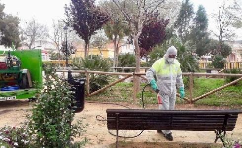En Cartagena, las contratas de Jardines se unen a las labores de desinfección