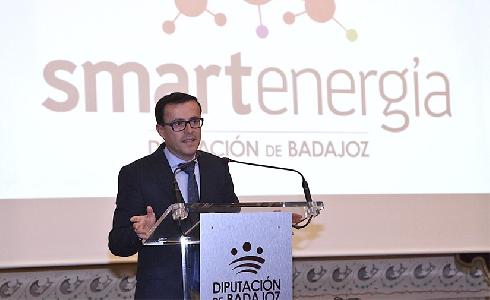 La Diputación de Badajoz presenta un ambicioso plan de eficiencia energética dotado de 27,5 millones de euros