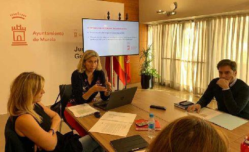 La gestión de residuos, el consumo, la sostenibilidad y la movilidad centran la primera mesa sectorial para el diseño de la Estrategia de Economía Circular en Murcia