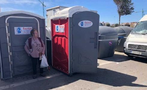 La Junta de Gobierno Local de Almería adjudica el contrato para la instalación de cabinas sanitarias ecológicas en los mercadillos de la capital