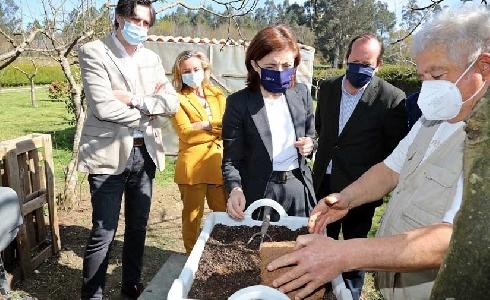 La red de compostaje doméstico de la Xunta superará las 18.000 unidades
