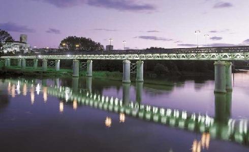 Las luminarias del Puente de Hierro, en Logroño, serán sustituidas por tecnología LED