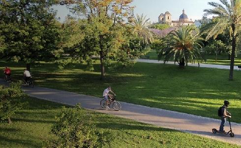 Las Naves presenta el informe 'Pensar en Verd' que propone soluciones verdes para València