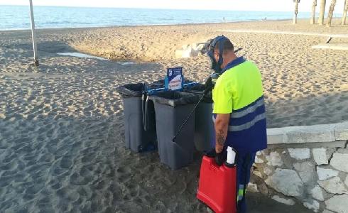 Las playas se suman a las tareas de desinfección de Limasa