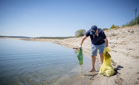 LIBERA organiza una nueva campaña de caracterización de residuos en ríos y embalses