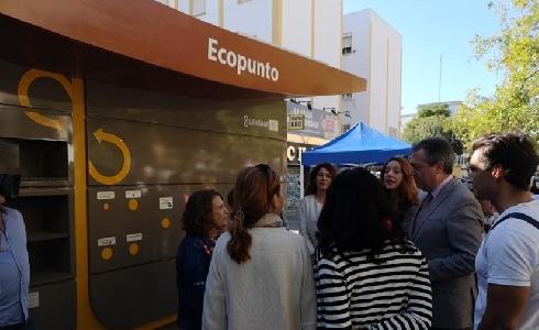Lipasam recibe la Escoba de Platino por la implantación de la red de Ecopuntos en Sevilla