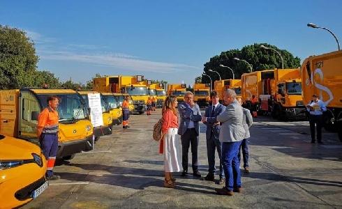 Lipasam reforzará el servicio de limpieza y recogida de residuos con una inversión de 1,8 millones en nuevos vehículos
