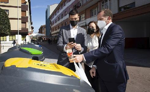 Llanera, pionera en Asturias en incorporar el sistema RECICLOS de reciclaje con recompensa