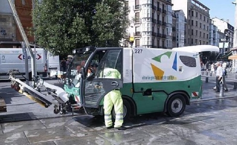 Luz verde al nuevo contrato de limpieza de Vitoria