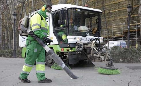 Madrid comienza la campaña de recogida de la hoja con un refuerzo de 1.900 efectivos