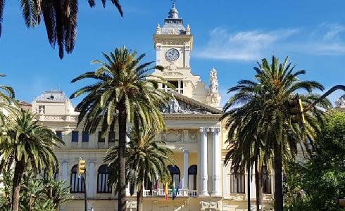 Málaga se apunta a los fondos FEDER para renovar el alumbrado e instalar fotovoltaica
