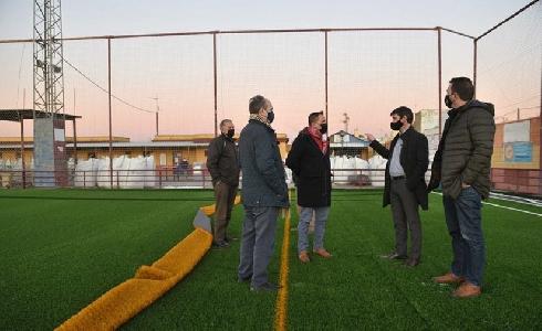 Nuevo campo de fútbol de césped artificial de Vistahermosa, Sevilla