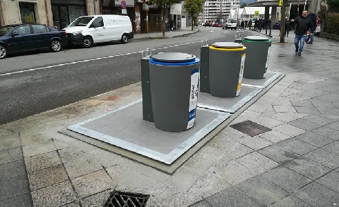 Ourense prueba nuevos contenedores soterrados para estudiar la sustitución de las islas de toda la ciudad