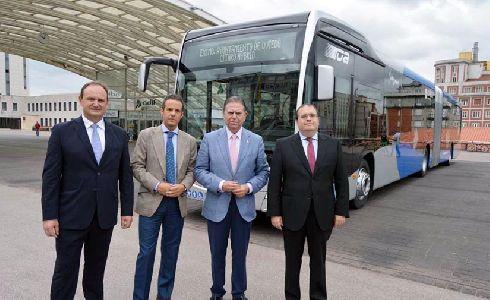 Oviedo estrena el primer autobús urbano artículo híbrido