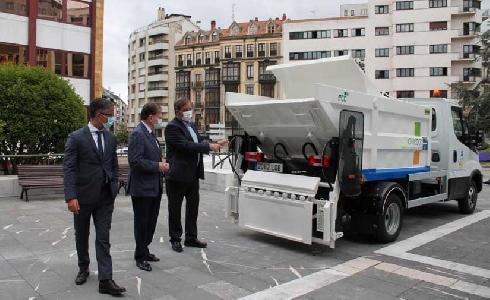 Oviedo incorpora 6 nuevos vehículos de limpieza