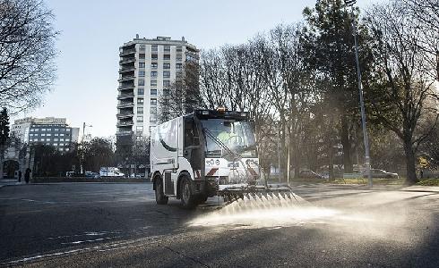 Pamplona: cada día un equipo de 90 operarios trabajan en la limpieza de la ciudad