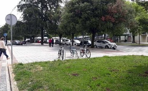Pamplona instala 38 nuevos aparcabicis con 228 plazas, repartidos por todos los barrios