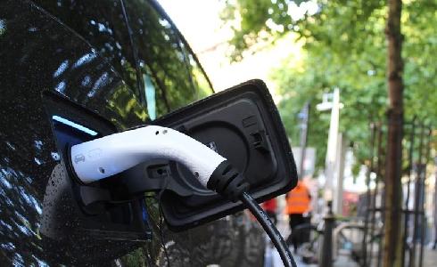 Pamplona instalará 26 tomas para la recarga de coches eléctricos