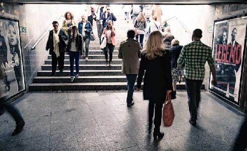Por qué las políticas de movilidad urbana deben tener en cuenta a las mujeres