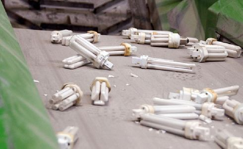 Presentada en València una nueva campaña para fomentar el reciclaje de residuos electrónicos