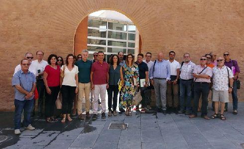 Riba-roja impulsará un proyecto europeo para convertir la caña del río en materia prima para la elaboración de mobiliario urbano reciclado